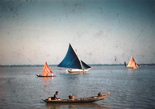 Embarcación sobre el Río Amazona